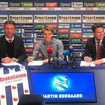 Martin Ødegaard dinsdag bij de presentatie © Robin Jongmans
