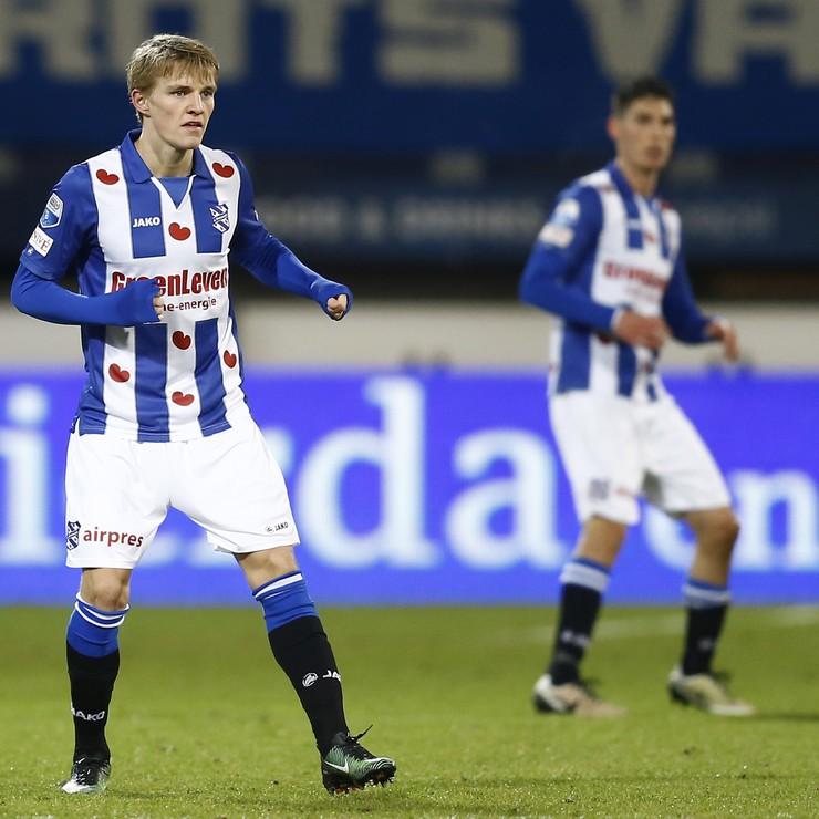 Martin Ødegaard maakt zijn eerste minuten voor sc Heerenveen. © Hollandse Hoogte